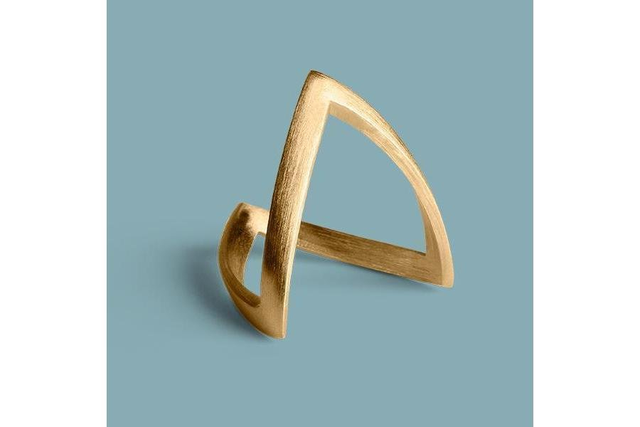V ring - a classic ring by Jane Kønig