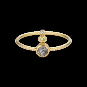 Ring, rosenkåret diamant og to diamanter 0,03 ct. 18 karat guld