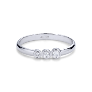 Simple wedding ring with 3 diamonds, 0.095 ct. 18-carat white gold
