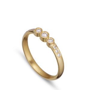 Wedding ring with 9 diamonds, 0.17 ct. 18-carat gold