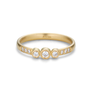 Enkel vigselring med 9 diamanter, 0,17 ct. 18 karat guld