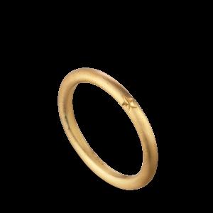 Star engraved ring, 18-carat gold
