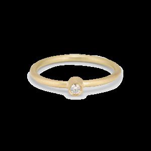 Princess ring, 18-carat gold, 0.03 ct diamond, tube set