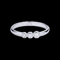 Enkel giftering med 3 diamanter, 0,09 karat. 18 karat hvitt gull