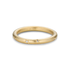 Stjernegraveret ring, 9 diamanter, 0,045 ct. 18 karat guld